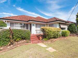 Fabulous Newtown Location - Walk to Clifford Gardens!