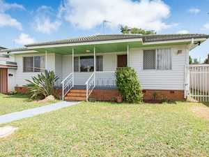 WALK TO CITY GOLF CLUB - FAMILY HOME - GOLDEN OPPORTUNITY