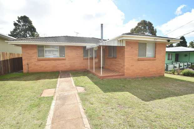 This lowset brick home located in close proximity to the hospital, city center, major shopping, scho...