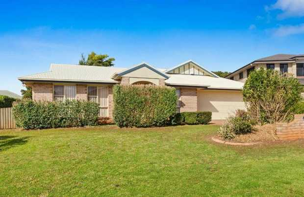 This fantastic, lowset 4 bedroom brick home with 2 large separate living areas is located in Middle...
