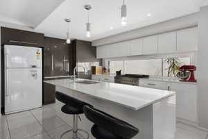 Executive Luxury Unit - Wapiti Street's Crown Jewel