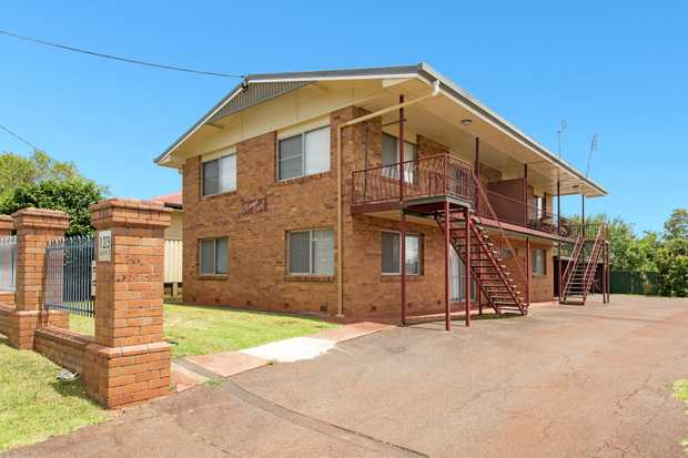 Jacqui Walker Sells presents this entire block of 4 updated units in desirable Centenary Heights, ca...