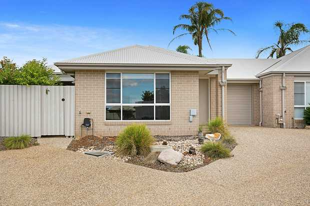 - 2 built-in carpeted bedrooms (main with ensuite) - Large open plan lounge and dining area  - Rev...