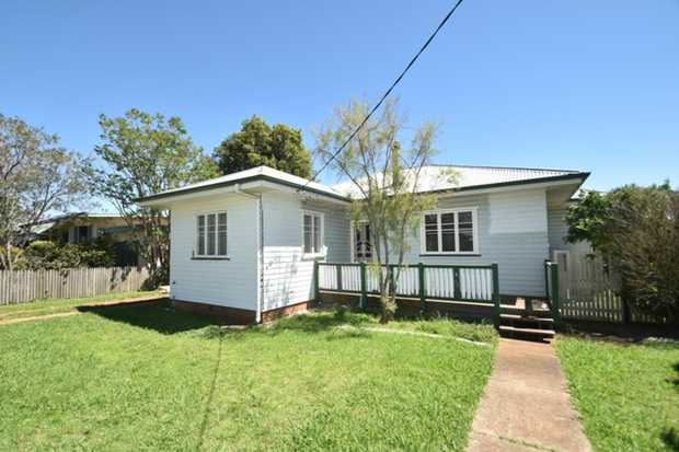 This 3 bedroom timber home is ideally located in Harristown just minutes away from shopping, parks a...