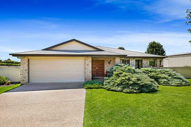 This spacious family home is situated in a quiet cul-de-sac on a great sized 1,315m2 block with side...
