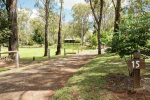 Large Shed, Scenic Grounds And Lovely Home. This Is Living!
