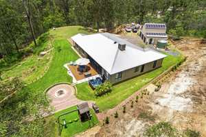 A Once In A Million Retreat Lifestyle Only 19 Minutes To Toowoomba!