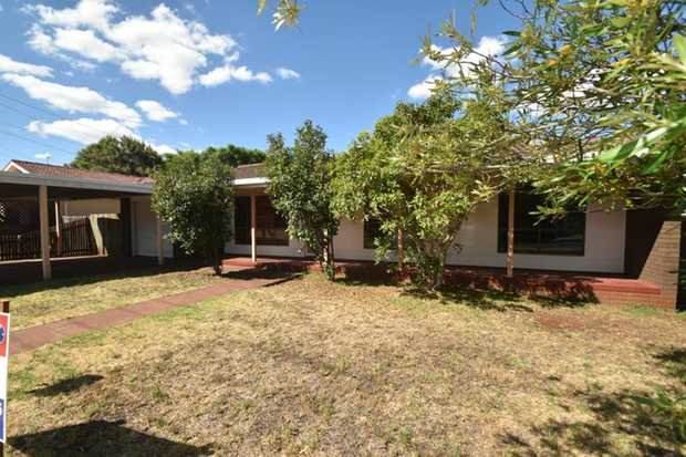 This tidy lowset, 3 bedroom brick home located in Darling Heights is situated within a short distanc...