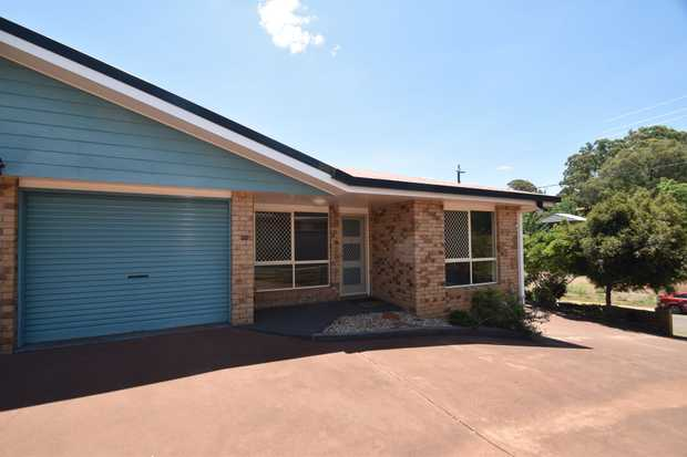 Set at the front of a complex of 4 this neat and tidy unit is perfect for anyone looking for a low m...