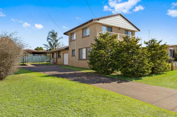 - Solid brick duplex positioned close to the USQ and Toowoomba CBD