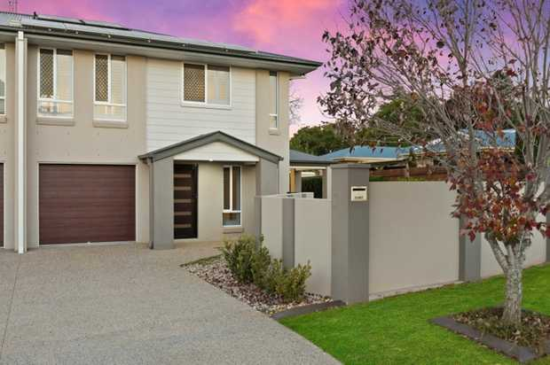 The perfect alternative modern Middle Ridge pad is on offer here for the astute smaller home buyer o...