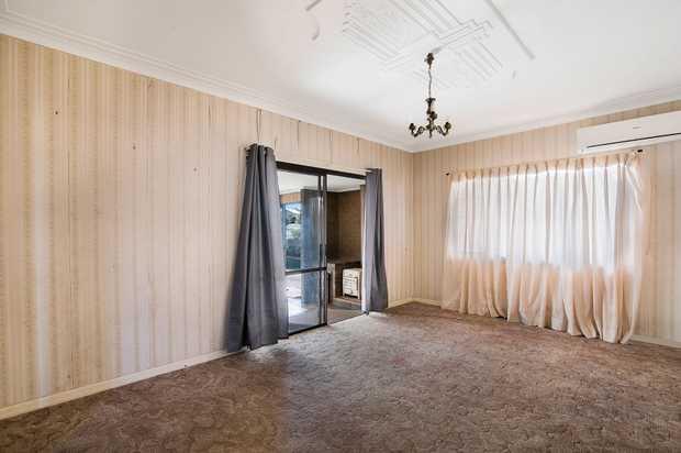 - 3 generous bedrooms - 2 bathrooms plus plans for an ensuite - Original kitchen - Large lounge r...