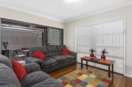 JACQUI WALKER SELLS presents this special opportunity to buy a much-loved, new-near designer unit...