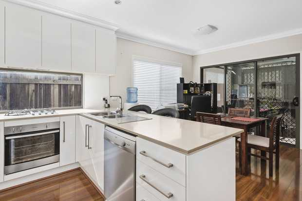 JACQUI WALKER SELLS presents this special opportunity to buy a much-loved, new-near designer unit co...