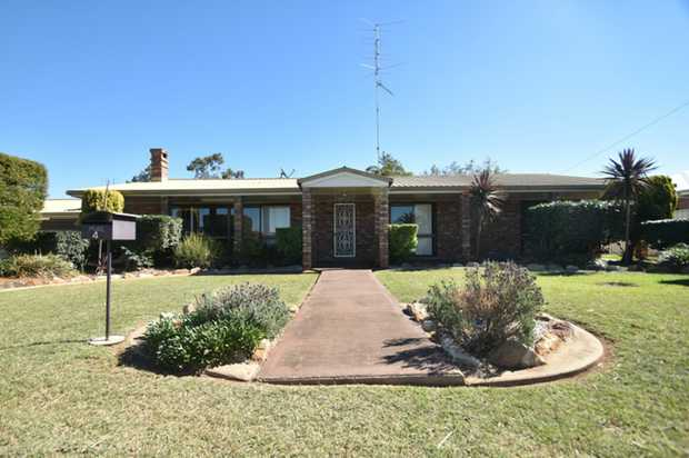 Positioned on a large, low maintenance block just a short 10 minute drive from Toowoomba, is this sp...