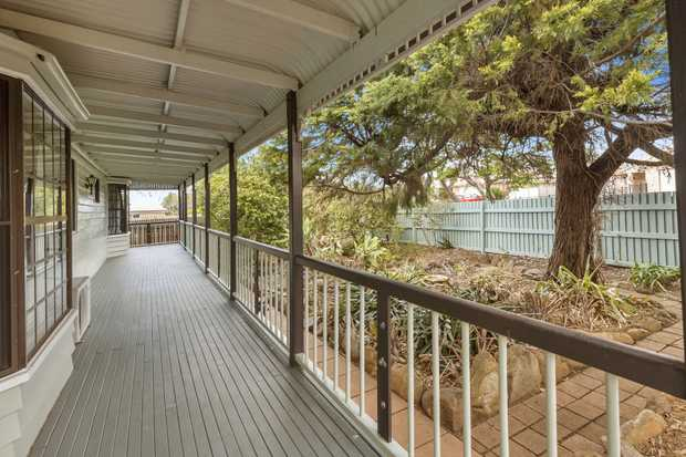 Now offering you the warmth and character of a Queensland style home on 965m2 in Middle Ridge. This...