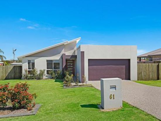 A must to inspect ... this beautifully presented Westbrook home has all of the requirements for fami...