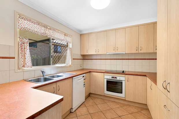- Double storey brick townhouse - Quiet and secure complex - 3 generous built-in bedrooms - Styli...