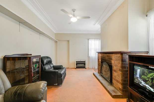 - 3 carpeted bedrooms plus office - Lounge room with brick fireplace - Kitchen with gas upright st...