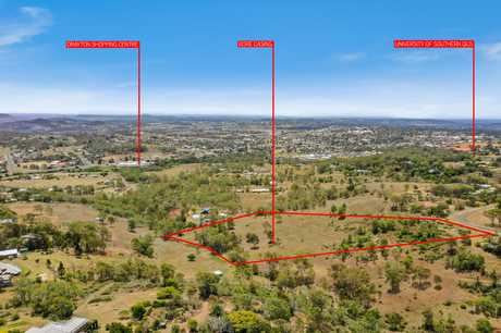 Perfectly located just 9 kilometres to the Toowoomba CBD, this 7.5 acre allotment provides a variety of...