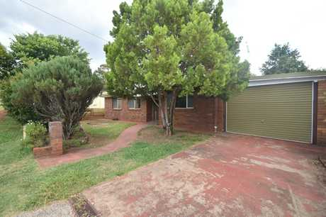 This lowset three bedroom home is located in Wilsonton Heights and is surrounded by parks, multiple...