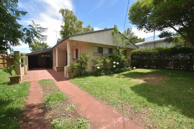 Set in a tranquil blue ribbon position in one of Rangeville's most desirable streets, this exception...