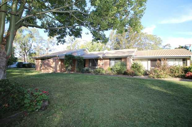 This wonderful 4 bedroom home, set on 2 acres of land, gives you the country lifestyle feel but with...