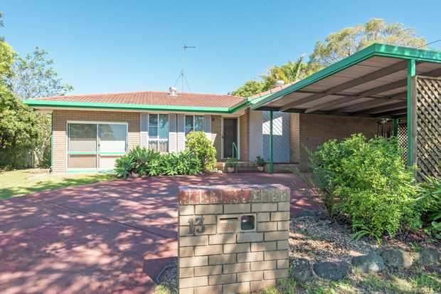This 3 bedroom home is located in an established part of popular Centenary Heights and provides a...