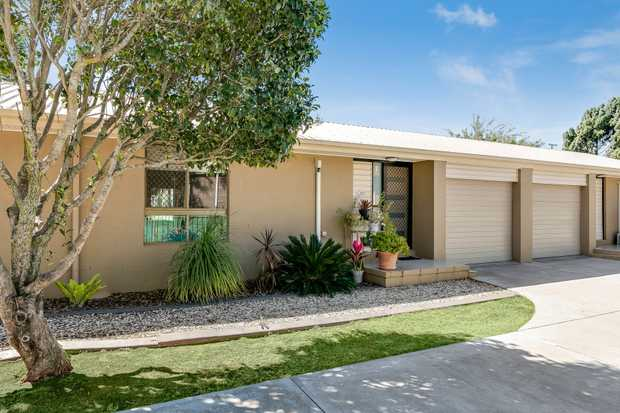 - 2 carpeted, built-in bedrooms - Modern kitchen with dishwasher - Tiled open plan living space with...
