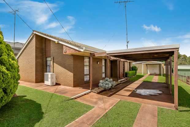 - Lowset brick and tile home