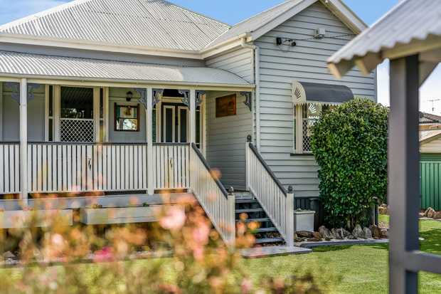 - Fully renovated timber home - 3 built-in bedrooms - Open plan living and dining space - Stunning...