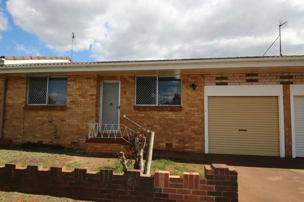Positioned in a quiet street in a handy location, this two bedroom unit is situated close to schooling...