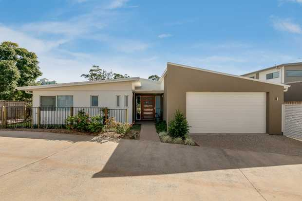 Positioned in enviable East Toowoomba, this brand new low set villa offers modern and sophisticated...