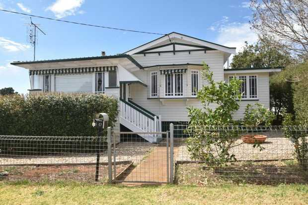 This delightful semi lowset, 3 bedroom home features character and charm. Ideally located this home is...