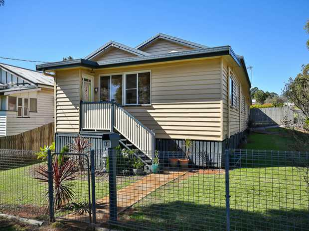 This charming 3 bedroom house is located in South Toowoomba and will surely catch your eye! located...