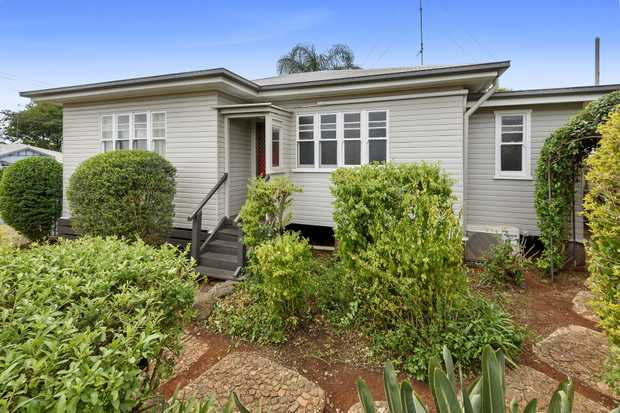 THIS CHARMING BEAUTY presented by Jacqui Walker Sells Sensational Moves is set on a VALUE-ADDING CORNER...