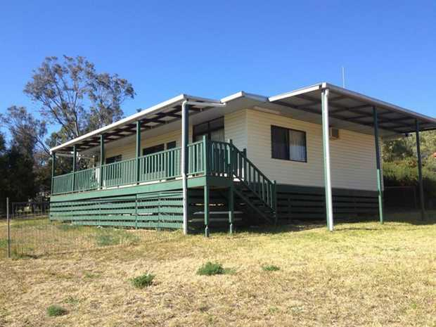 This charming 3 bedroom home is located in the country suburb of Greenmount and is ideal for those s...