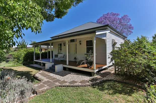 This well presented, character timber home located in East Toowoomba is situated within minutes to t...