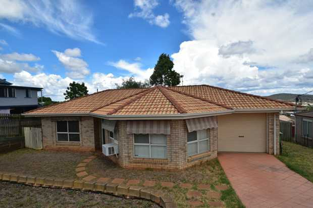 This lowset 3 bedroom, brick home is located in Harristown and is situated just minutes to Clifford...