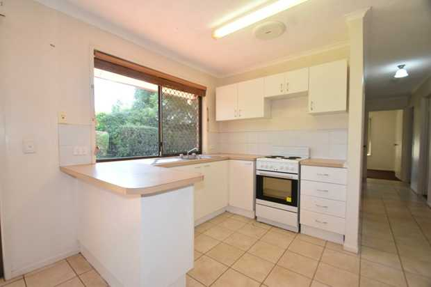 Come and take a peek at this tidy, lowset, 3 bedroom brick home. Situated in a quiet cul-de-sac in W...