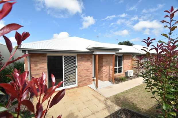 Located a stone's throw away from Northpoint & Wilsonton Shopping Centres & just 5 minutes to the ne...