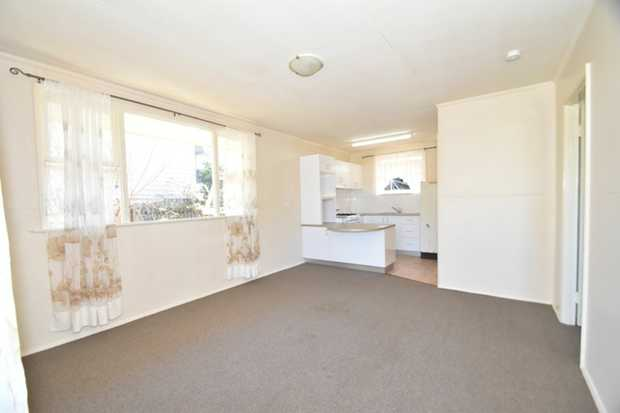 This great one bedroom brick unit in a very quiet complex of 3 , this unit is set in a fantastic loc...