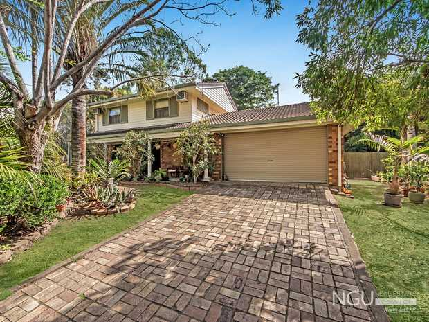Lots of options with this property for the new owner.            Firstly - for those who wish for a...
