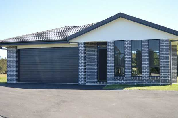 Sensational Large Home in Yamba built on 1.2 acres.  Modern living within a 5 minute drive to beaches...