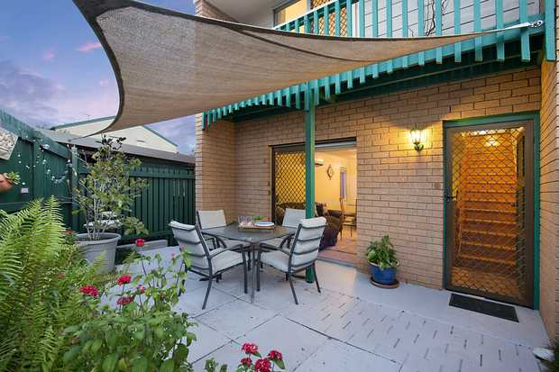 Make your life easier with less maintenance and more living here in this neat and tidy courtyard...