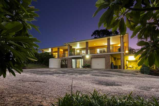 With panoramic views of the Clarence River and valley, this 16 years young family residence has been...
