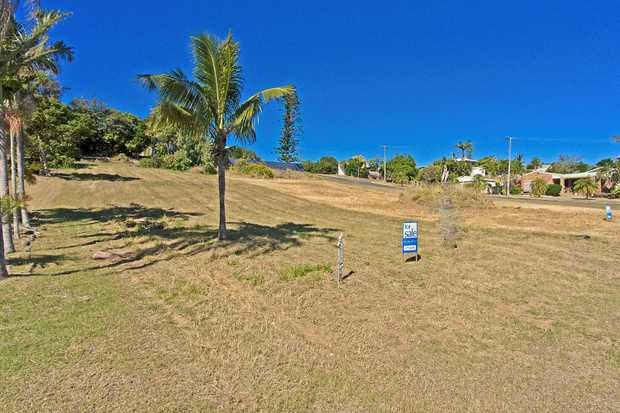 Gently Sloping 1012sqm Block within a very short stroll to the exclusive Pandanus Cove.  No Covenants...