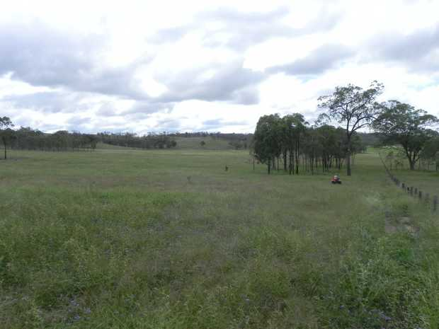 Jones' is located 30 kilometers west of Warwick at Greymare. With frontage to the Cunningham Highway...