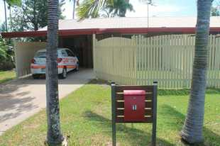 The location of this unit is also a great advantage with the beach within walking distance and the M...