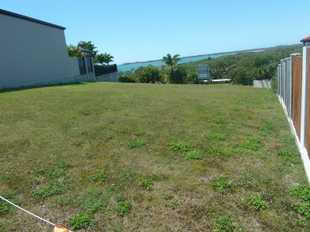 Enjoy the outstanding ocean views from this prestigious vacant block of land in this sort after pock...
